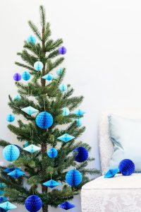 Spellbinders   How To Make DIY Honeycomb Christmas Tree Ornaments with the help of Steel Rule Dies. Video tutorial. #christmasornaments #modernchristmas #DIYornaments