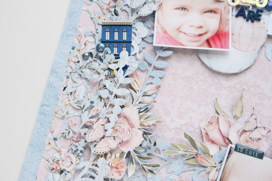 Spellbinders A Sweet Christmas Collection by Sharyn Sowell - Inspiration | Lovely Layers Layout with Anna featuring S4-938 Mistletoe Gatefold #spellbinders #neverstopmaking #diecutting #sharynsowell