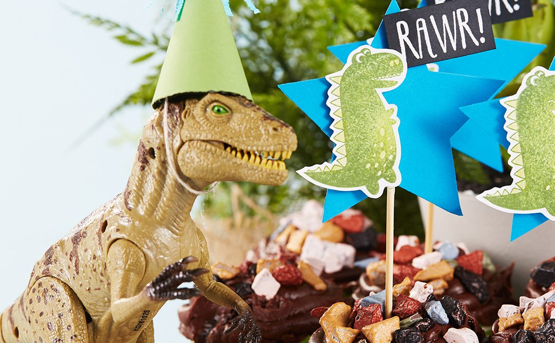 Dinosaur Birthday Party Fun! | Decorations, Cupcakes & More Fun!