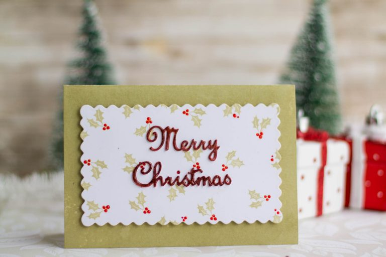 A Sweet Christmas Inspiration | A Merry Christmas Card by Elena Salo for Spellbinders