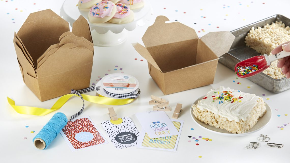 FSJ Delivered Bundles: Hello Delivered & Love Delivered Kits | Deliver the perfect goody bag with this fun kit! Fill these charming boxes with cookies, popcorn, toys or anything your heart desires. Simply add one of our pre-designed tags and deliver to the doorstep of your family, friends and neighbors. #NeverStopMaking