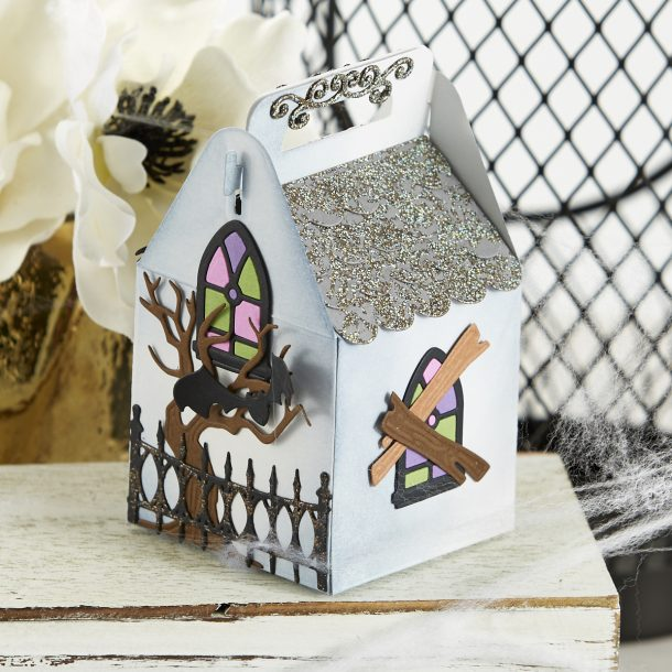 S4-1071 Spooky Cottage: Create a haunted house cottage with Becca's Charming Christmas Cottage (S6-153). Add sweet treats to this ghoulishly delightful container and finish it off with a mummy gift tag! What's New | Halloween 2020 Collection by Becca Feeken for Spellbinders #Spellbinders #NeverStopMaking #DieCutting #Cardmaking #Halloween #AmazingPaperGrace