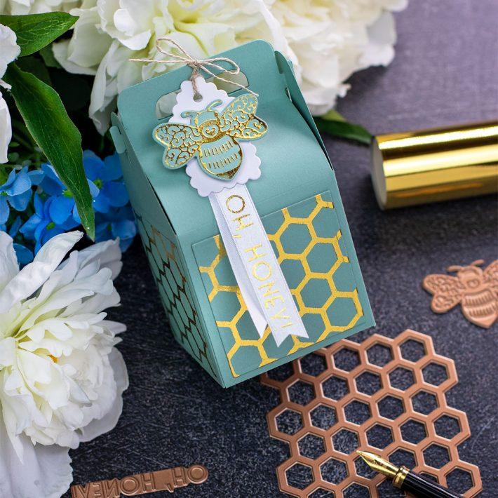 Becca Feeken Sweet Cardlets Glimmer Project Kit | Cardmaking Inspiration with Bibi Cameron | Video Tutorial | Foiled Decorative Panels #NeverStopMaking #DieCutting #Cardmaking #GlimmerHotFoilSystem